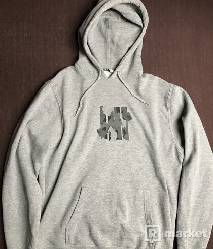 UNDEFEATED mikina hoodie