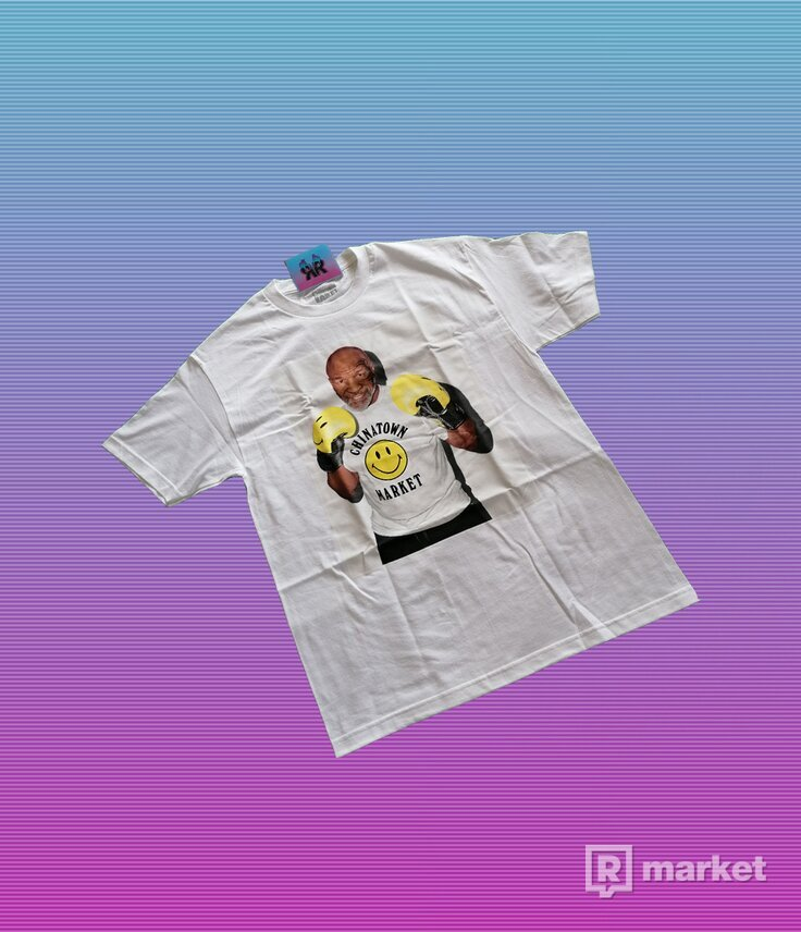 "CHINATOWN MARKET TYSON PHOTO TEE ""WHITE"""