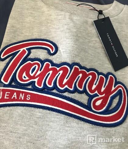 Tommy Jeans sveter
