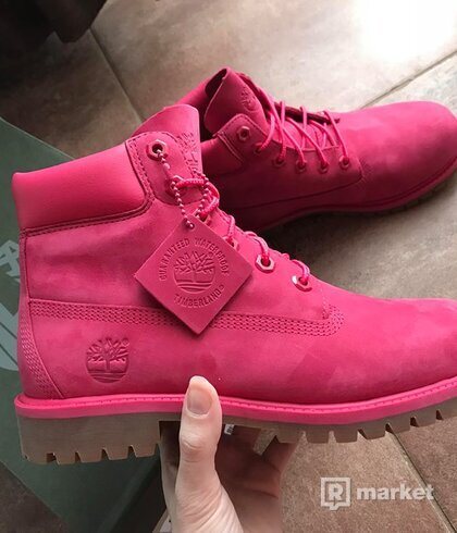 Timberland rose red waterbuck