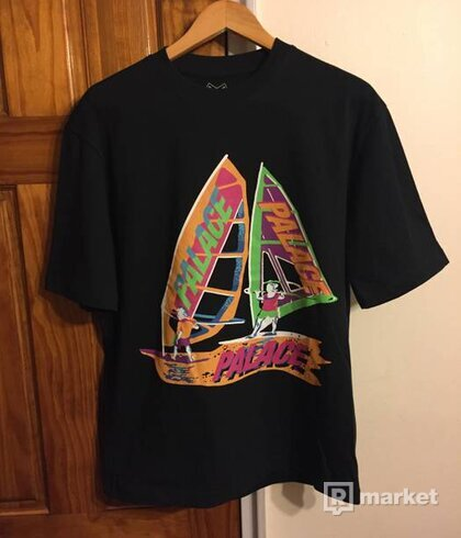 Palace tri sail tee black