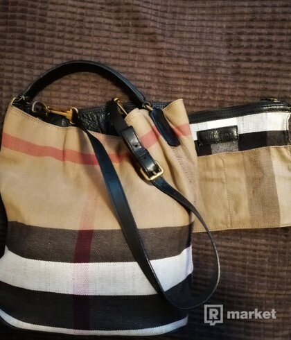 Burberry Ashby Bucket bag