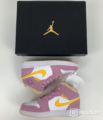 Air Jordan 1  mid Arctic Pink