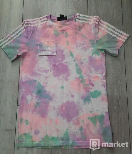 Adidas x Pharrell Williams Hu Holi tee Powder Dye