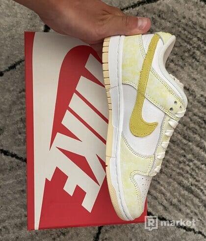 Nike Dunk low Yellow Strike