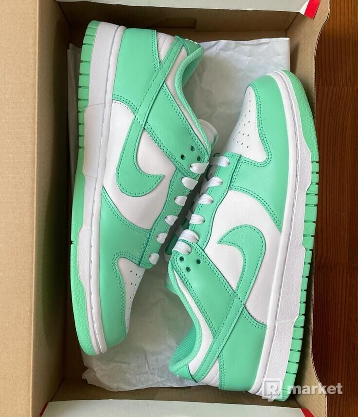 Nike Dunk Low Greeen Glow