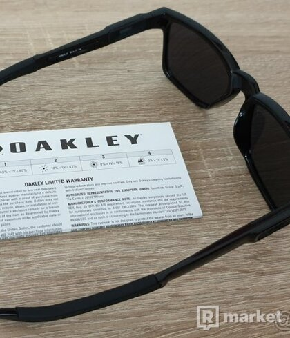 Oakley Catalyts