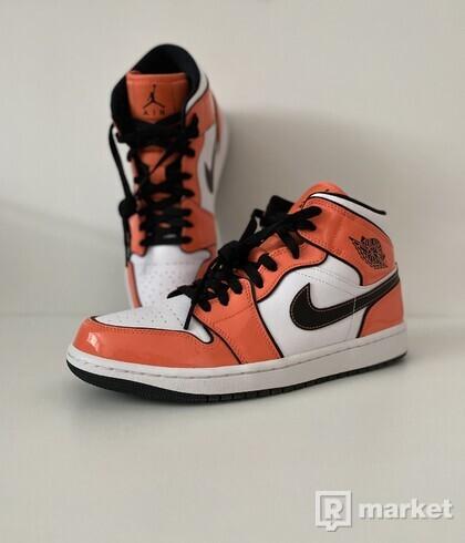 Jordan 1 Mid SE Orange Turf