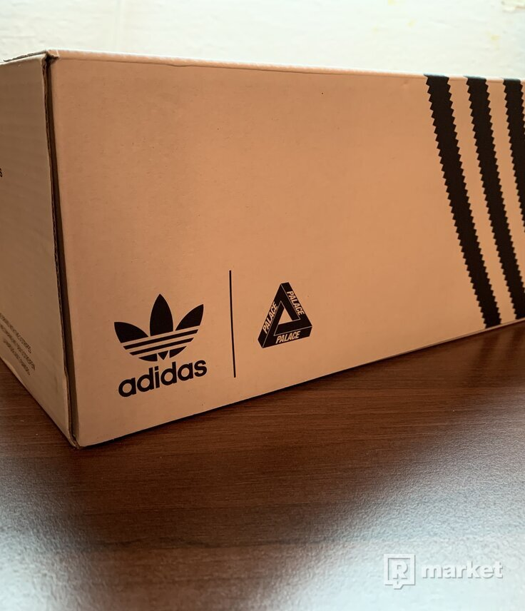 Adidas x Palace adilette