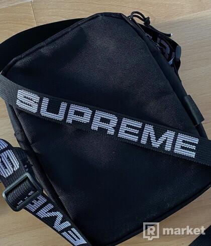 Supreme ss18 shoulderbag