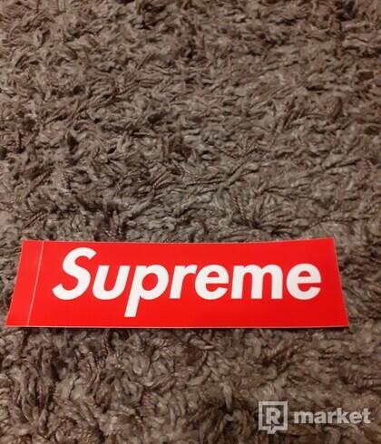 Supreme box logo