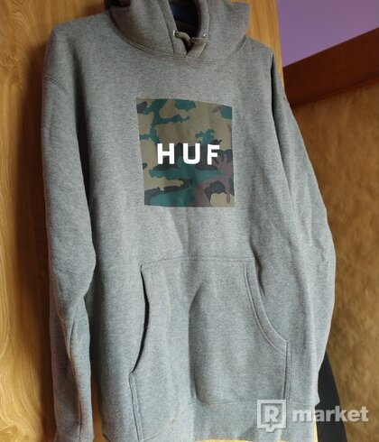 HUF Military Box Logo (veľ. M)