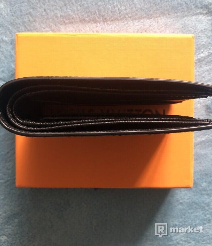 Louis Vuitton M67821