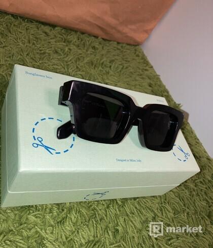Off White Sqare Frame Sunglasses