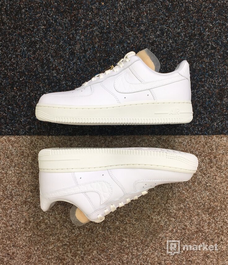 Nike Air Force 1 Blink