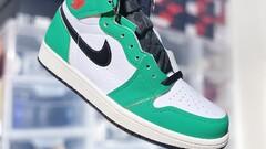 """Air Jordan 1 Retro High OG WMNS """"Lucky Green"""""""