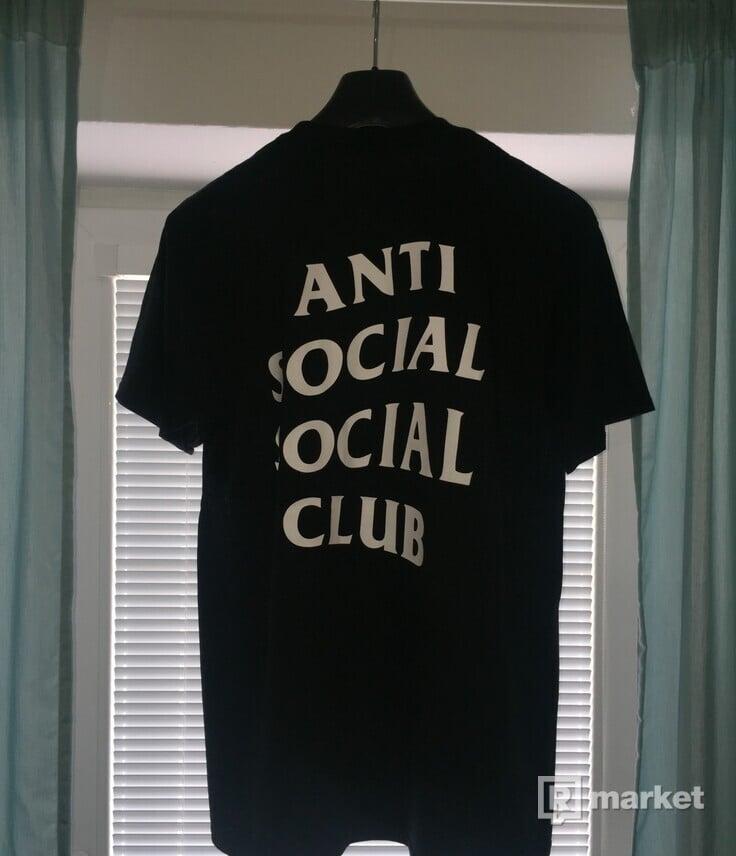Predám Anti social social club tee