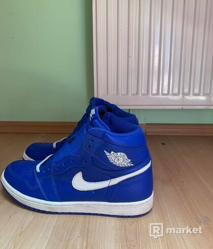 Air Jordan 1 High OG Hyper Royal