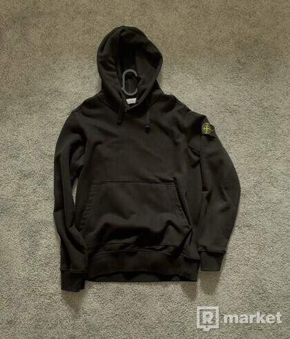 Black hoodie stone island basic