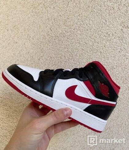 Jordan 1 Mid Gym Red Black White (GS)