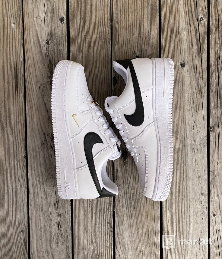 Air Force 1 Low Essential