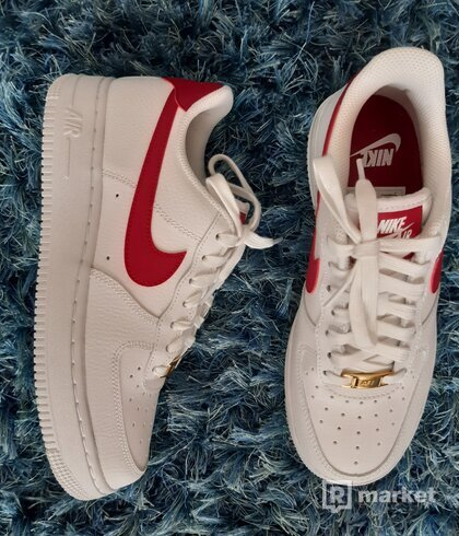 Nike Air Force white red-swoosh