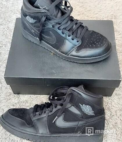 Air Jordan 1 Mid Black Dark Grey