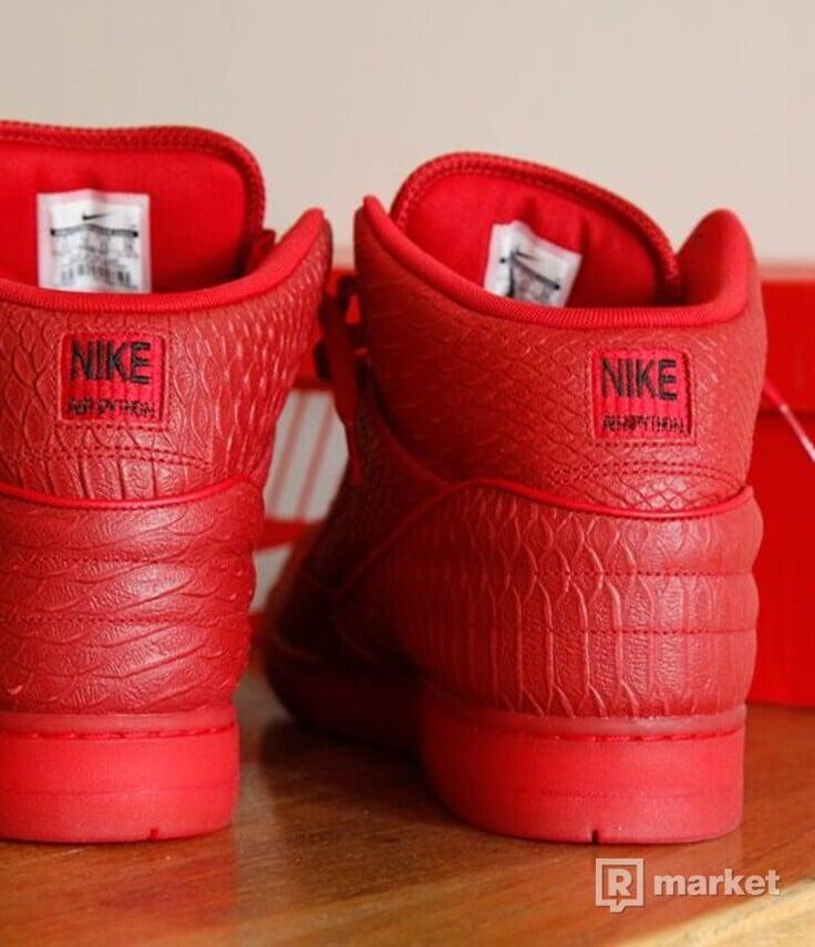 nové Nike Air Python Red vel. 45