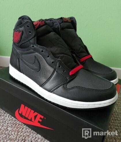 Jordan 1 retro high satin black