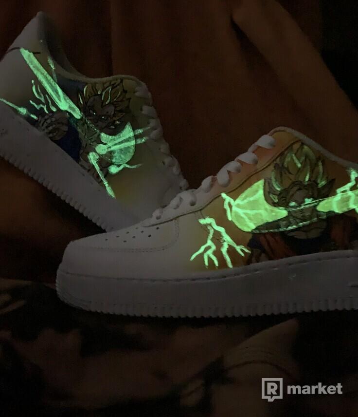 Nike AF1 custom na objednavku Dragon Ball - svietiace elementy v tme