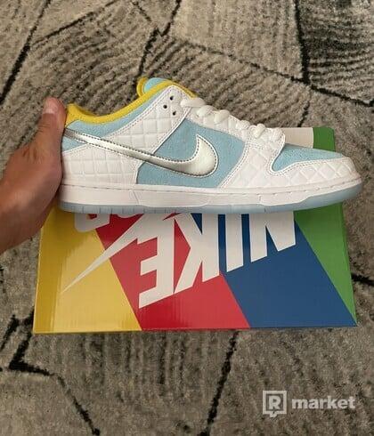 Nike SB Dunk Low FTC