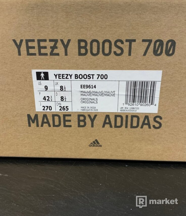 Yeezy 700 mauve