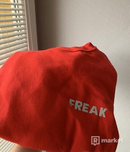 Freak crewneck