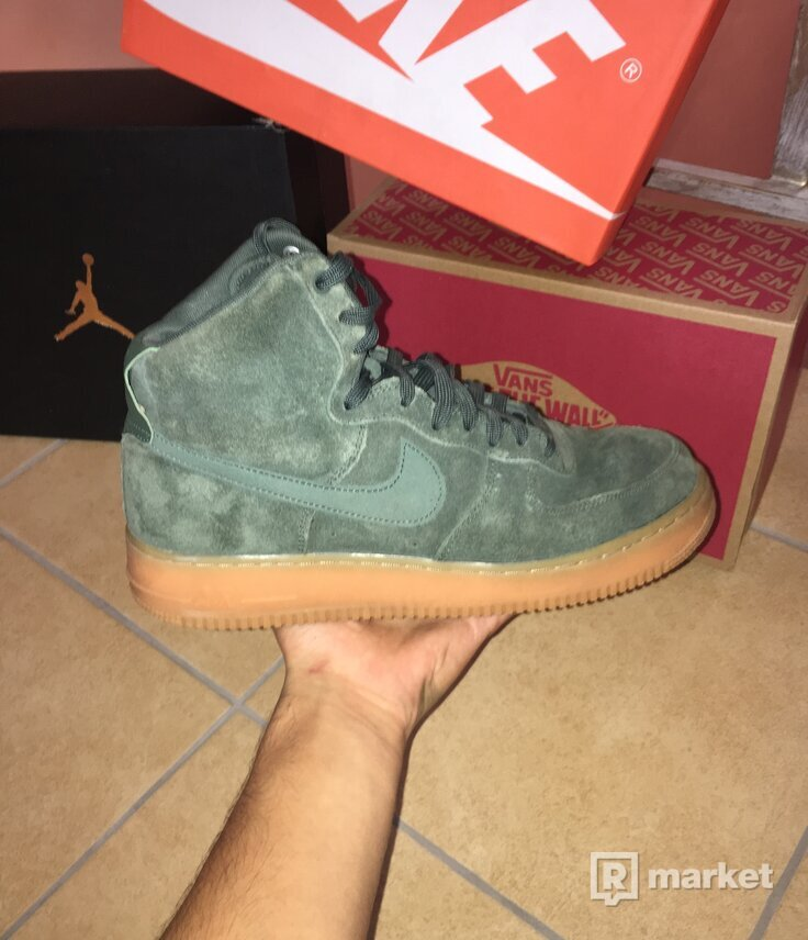 Nike Air Force 1 Vintage Green