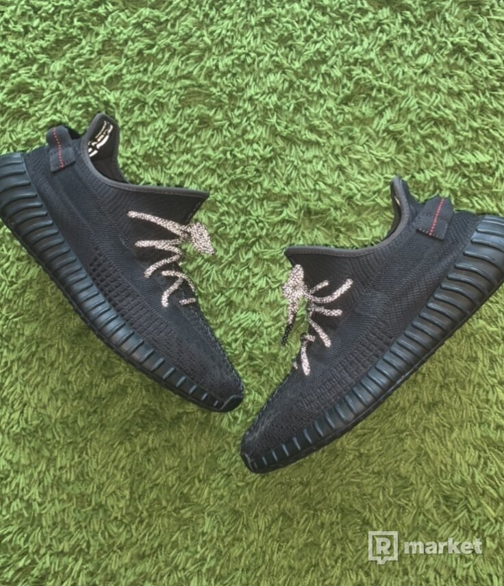 Yeezy 350 static black (non-reflective)