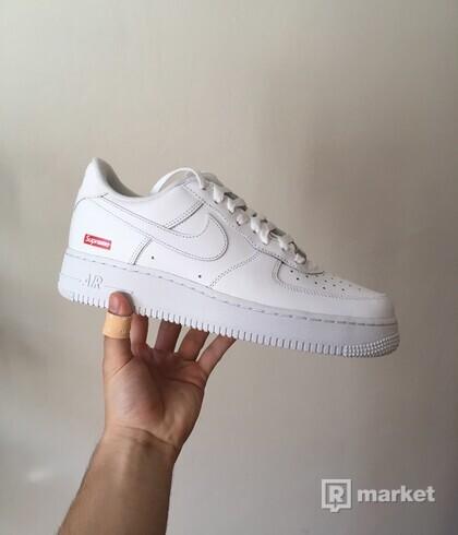 Nike x Supreme Air Force 1 [42]