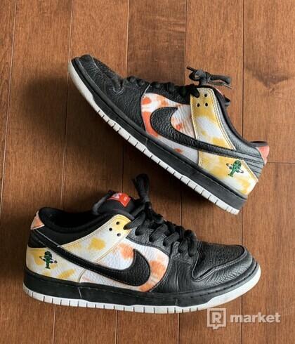 Nike SB Dunk Low Raygun