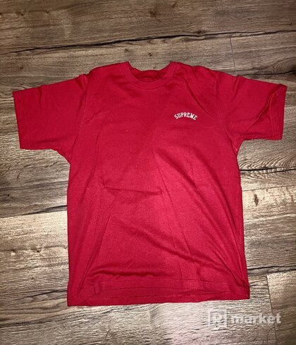 Supreme red tee