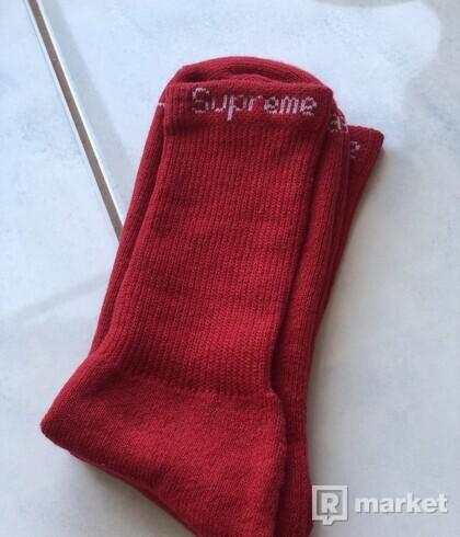 Supreme socks