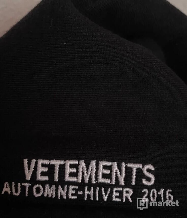 Vetements OG Metal Logo hoodie