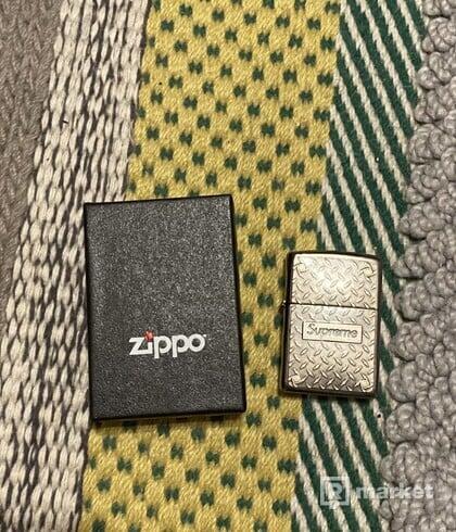 Supreme Diamond Plate Zippo Metal