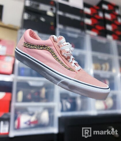 """Vans Old Skool """"Pink Cheetah"""""""