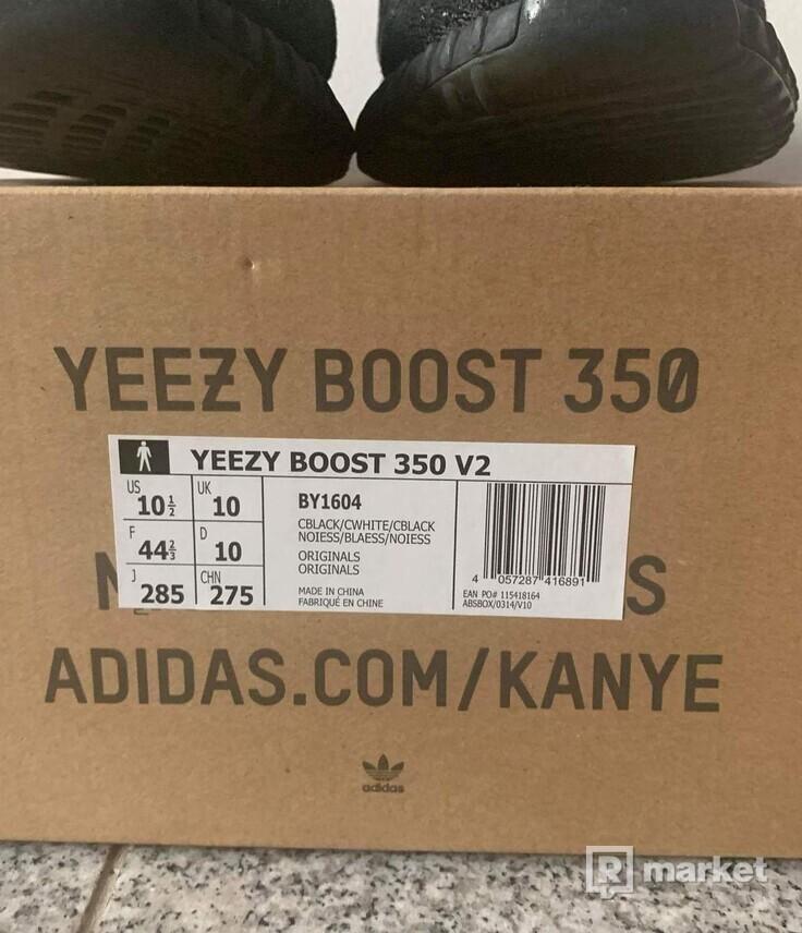 Yeezy boost 350  oreo