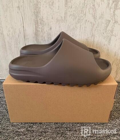 adidas Yeezy Slide Soot (US 10)