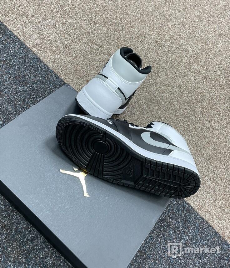 Air Jordan Mid Smoke Grey