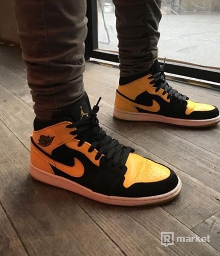 Air Jordan 1 New Love