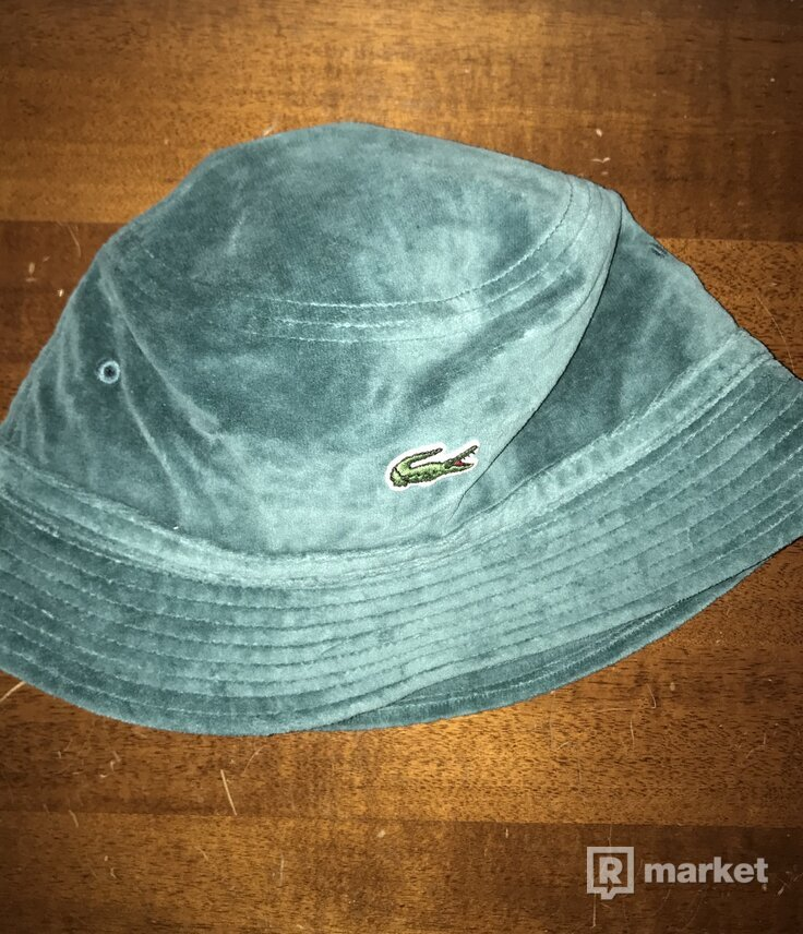 Supreme x Lacoste Velour Bucket Hat