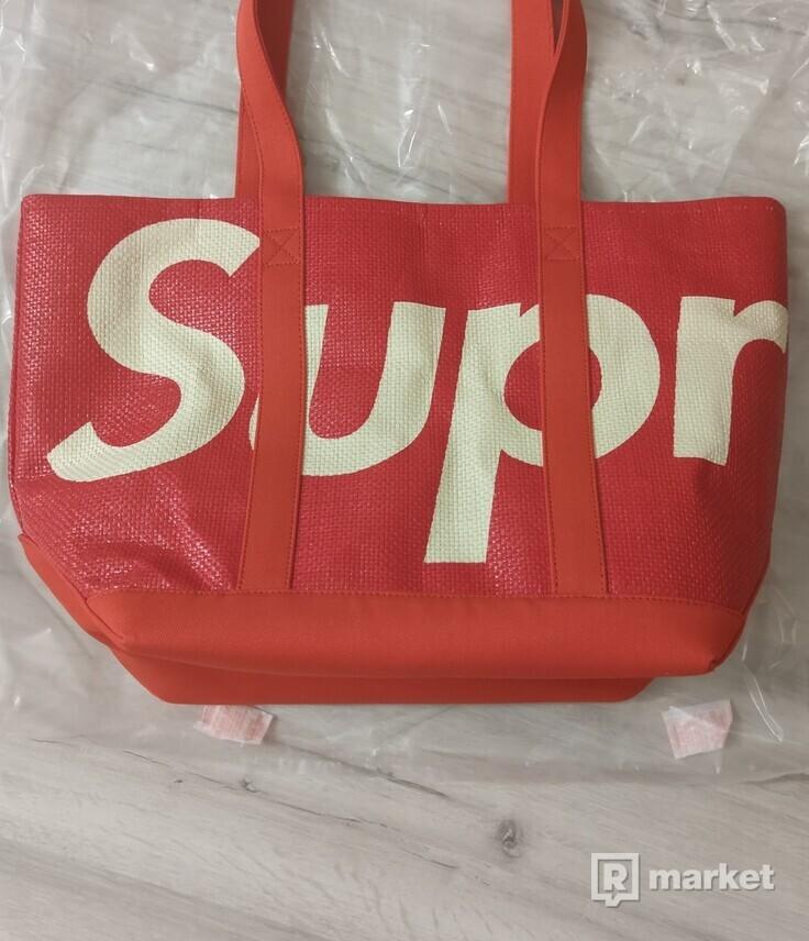 Supreme Raffia tote bag red