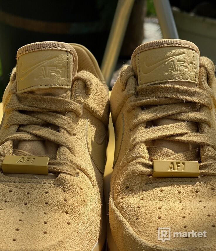 Nike Air Force 1 W Sage Low Club Gold