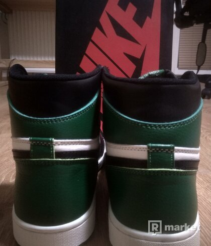 Air Jordan Retro High OG Pine Green